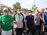 وزير الشباب والرياضة يشارك في مهرجان للمشي بالإسماعيلية