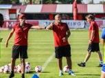 كارتيرون يحاضر لاعبي الأهلي قبل مواجهة المصري