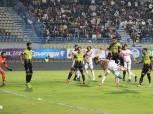 جماهير الزمالك تحبس محمد الحنفي في الملعب.. وجنش والونش يدخلان معه في مشادة كلامية