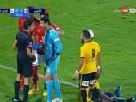 بالفيديو.. على طريقة محمد الشناوي.. الاتحاد الإماراتي يُعاقب ليوناردو بعد ضرب الحكم