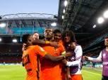 منتخب هولندا يتجاوز أوكرانيا بثلاثية في مباراة مثيرة بقيادة فاينالدوم