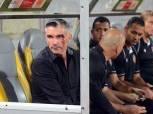 بالصور| «كارتيرون» يعقد جلسة مع لاعبي الأهلي قبل مواجهة «تاونشيب»