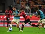 ميلان يفوز على فينيزيا بثنائية ويلحق بإنتر في صدارة الدوري الإيطالي