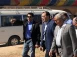 بالصور| رئيس الوزراء ووزير الرياضة في جولة تفقدية بالصالة المغطاة بمحافظة أسوان