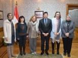 وزير الشباب والرياضة يبحث دعم المهرجان الدولي لمسرح المرأة