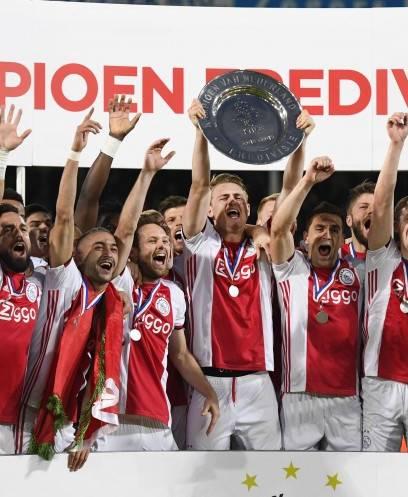 تتويج أياكس بلقب الدوري الهولندي