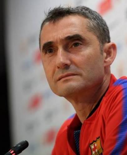 «فالفيردي» يتحدث عن مواجهة «برشلونة وتوتنهام».. ويكشف موقف «سواريز» من المشاركة