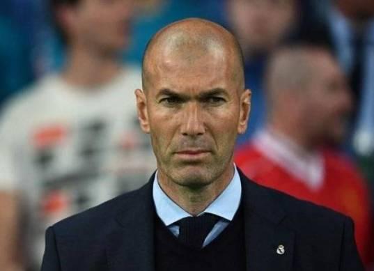 مدرب الأهلي السابق يهدد عرش زيدان في ريال مدريد