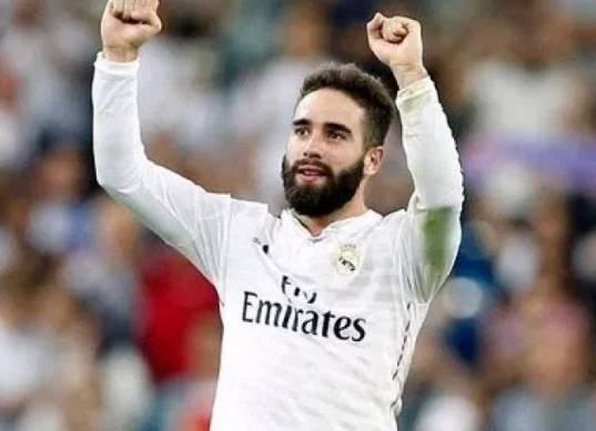 «كارفاخال» يعيش «كابوس» الموسم الماضي مع ريال مدريد