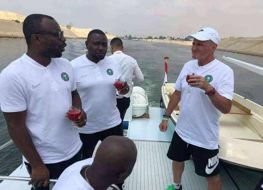 رحلة بحرية لمنتخب نيجيريا بقناة السويس قبل أمم إفريقيا