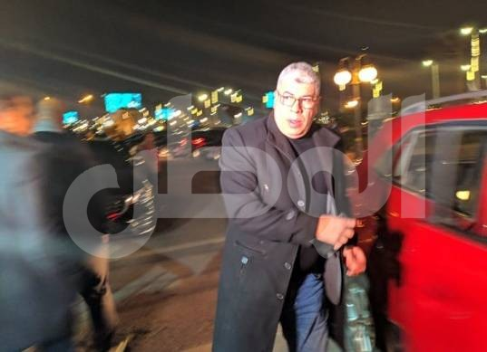 حازم إمام وشوبير يؤديان واجب العزاء في وفاة عمرو فهمي (صور)
