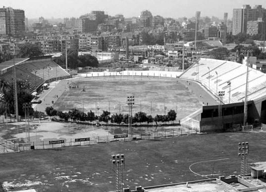 كارتيرون يطالب إدارة الزمالك بإصلاح أرضية ملعب عبداللطيف أبو رجيلة