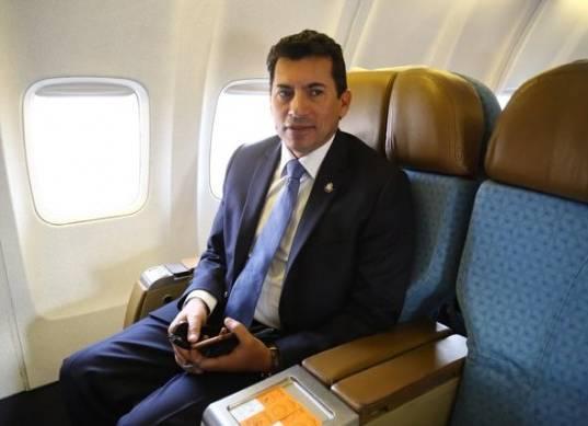 """وزير الرياضة: """"ننتظر رد رئيس الكاف على إقامة أمم إفريقيا 2019 بمصر"""""""