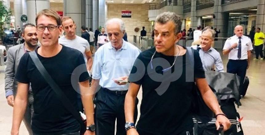 عاجل بالفيديو والصور.. رينيه فايلر يصل إلى القاهرة لبدء مهمته مع الأهلي