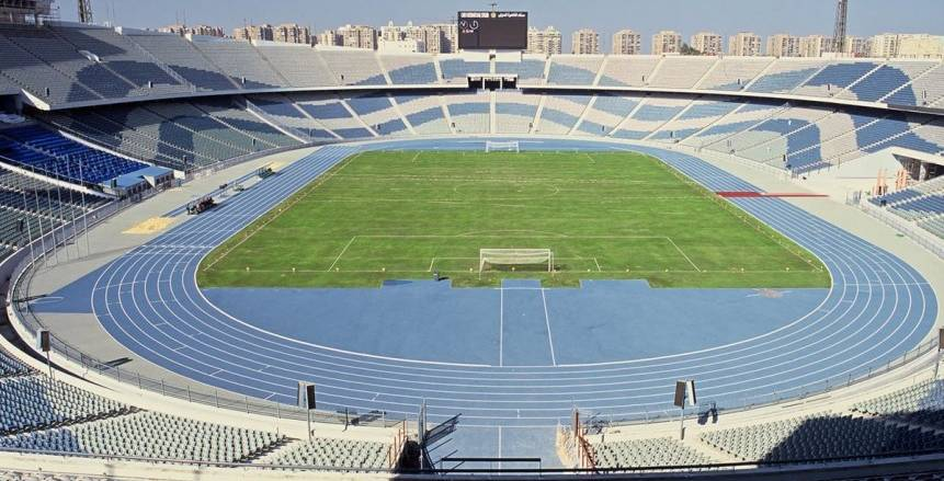 الزمالك ينتظر رد وزير الرياضة لخوض نهائي الكونفدرالية على استاد القاهرة