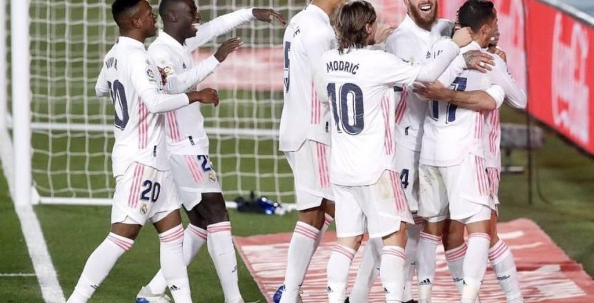 ريال مدريد يفوز على إيبار 3-1 بالدوري الإسباني.. وتألق بنزيما (فيديو)