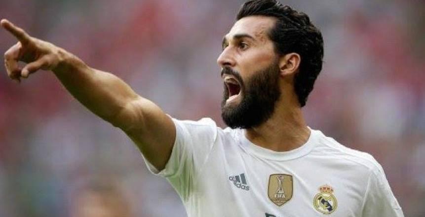 لاعب ريال مدريد السابق: أتمنى خسارة برشلونة حتى بالتدريبات