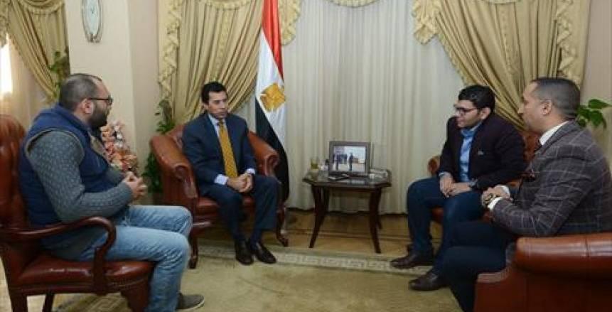 حوار وزير الرياضة مع الوطن