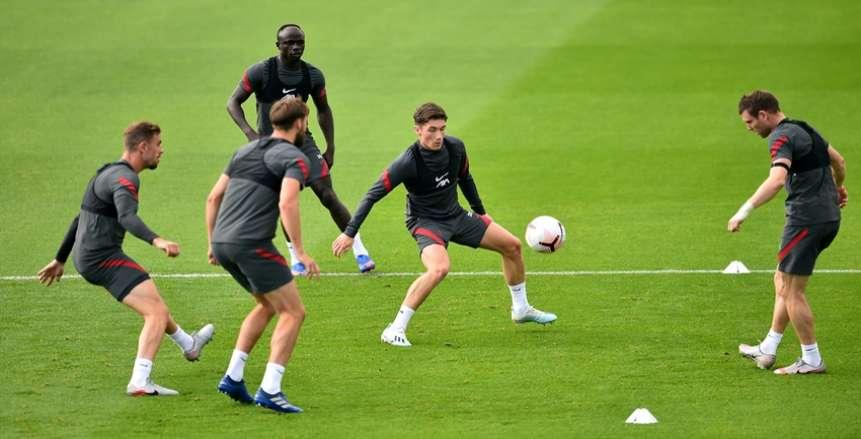 تسيميكاس يشارك في تدريبات ليفربول بعد تعافيه من كورونا