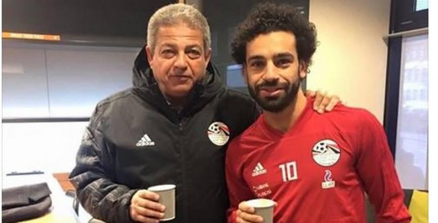 بالصور| وزير الرياضة مع «صلاح»: «فنجان قهوة في زيوريخ قبل مباراة البرتغال»