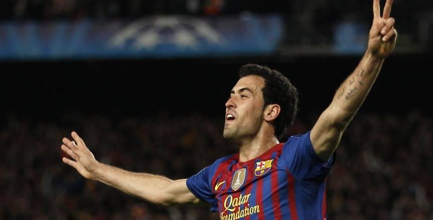 بوسكيتس يهدد ريال مدريد قبل كلاسيكو الأرض ويشيد بـ«بنزيما»