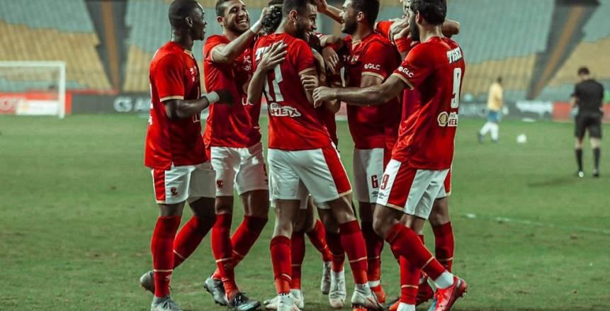 معلق مباراة الأهلي وفيتا كلوب.. مطالبات بتغييره وغضب جمهور الأحمر