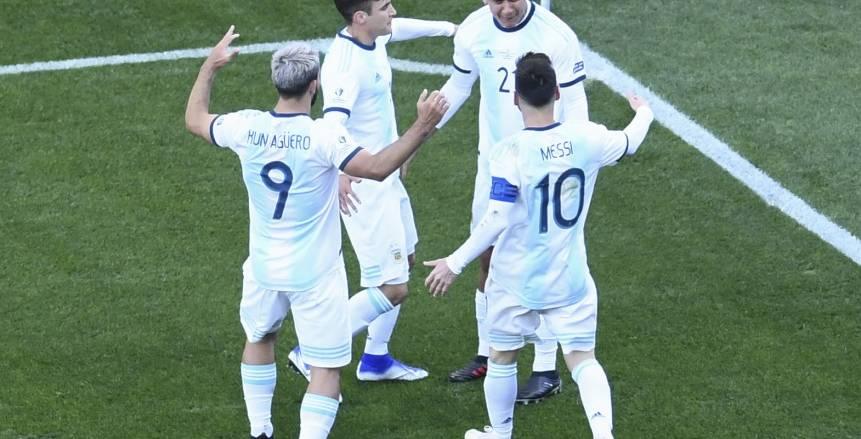بالفيديو.. الأرجنتين تضرب المكسيك برباعية.. والبرازيل تسقط بهدف أمام بيرو