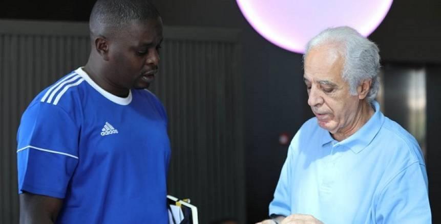 طاقم «حكّام» مباراة «الأهلي وحورويا» يصل غينيا فجر الخميس