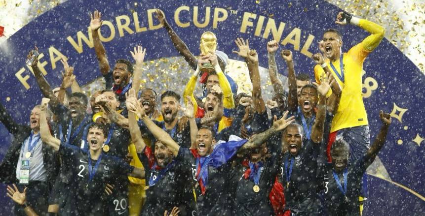 شاهد فيديو يكشف كواليس ما دار بين نجوم منتخب فرنسا في نهائي مونديال روسيا 2018