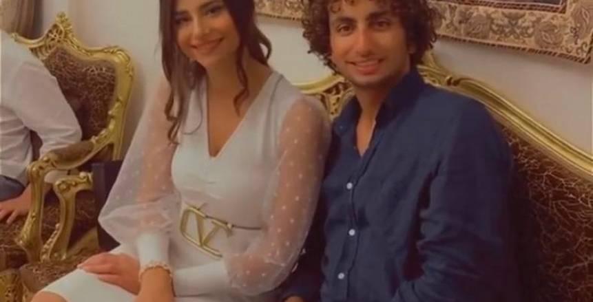 عمرو وردة يحتفل بخطوبته في جو عائلي