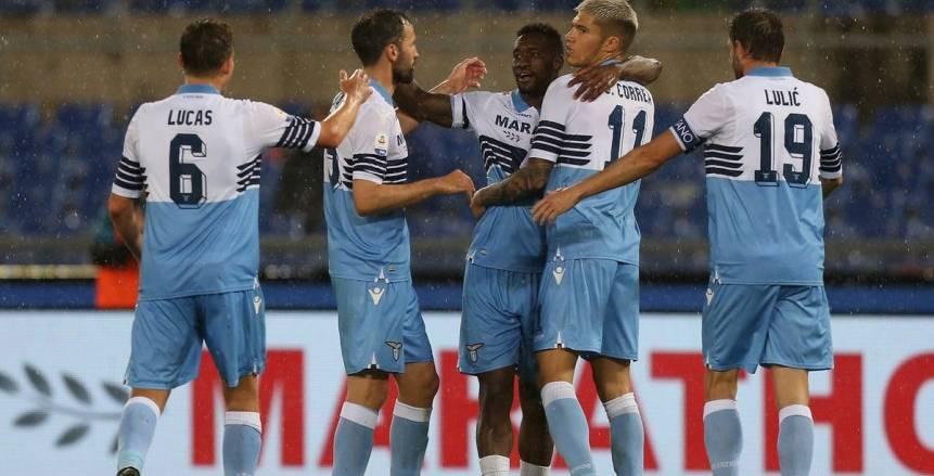 يويفا يعاقب لاتسيو بسبب عنصرية جماهيره في الدوري الأوروبي