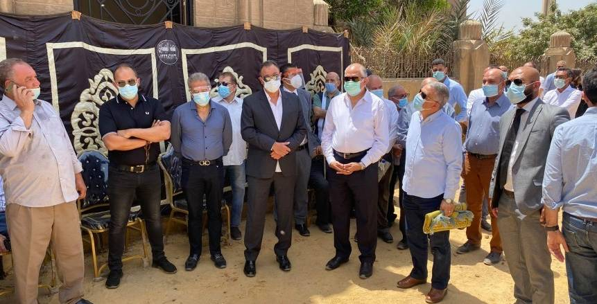 الخطيب والعامري فاروق وطاهر أبو زيد يتقدمون جنازة محمود باجنيد