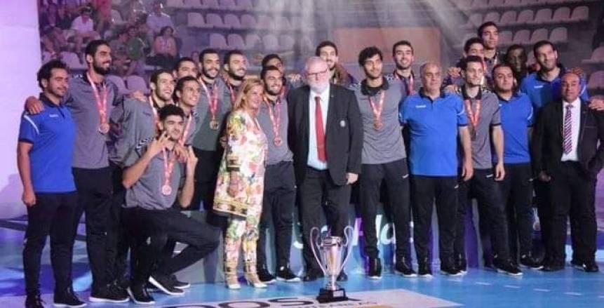 احتفالات صاخبة بمنتخب مصر بعد التتويج ببرونزية العالم.. ومكافآت استثنائية للاعبين