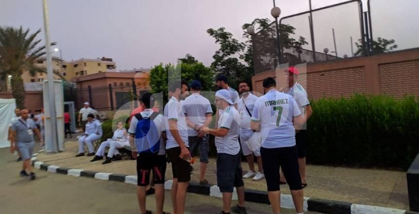 توافد جماهير الجزائر على ملعب السلام لمؤازرة تونس ضد نيجيريا