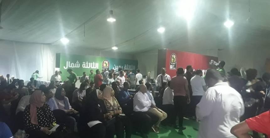 بالصور| استمرار توافد الجماهير لحجز تذاكر كأس الأمم الأفريقية