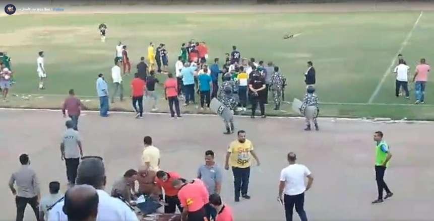 حرب شوارع بين لاعبي الألومنيوم وسوهاج في الدرجة الثانية (فيديو)