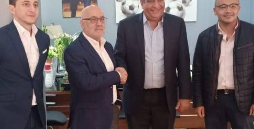 وزير الرياضة السابق ينتقد اتحاد الكرة بسبب فينجادا