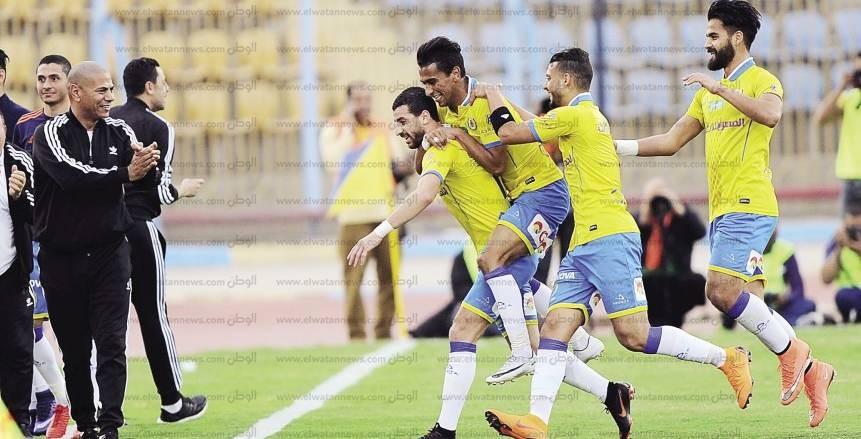 أهلى جدة يفاوض الإسماعيلى لضم محمود متولي