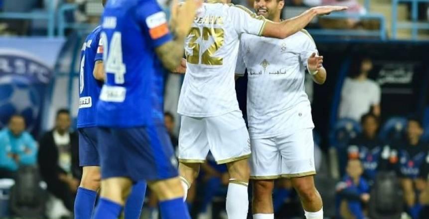 الهلال يفوز على نجوم العالم 5-4 في مباراة اعتزال ياسر القحطاني (فيديو)