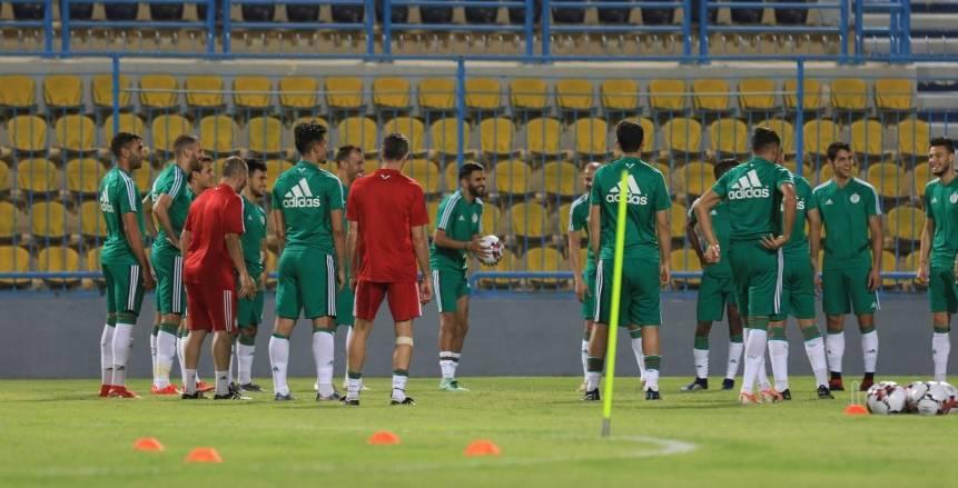 """الجزائر بـ""""الأخضر"""" بدلاً من """"الأبيض"""" أمام السنغال غدا"""