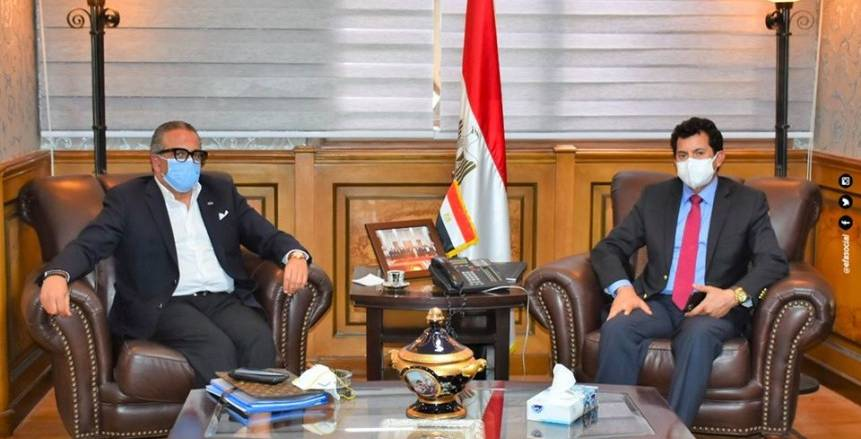 وزير الرياضة يكرم الجنايني وفضل وعبدالله بعد رحيل اللجنة الخماسية (صور)