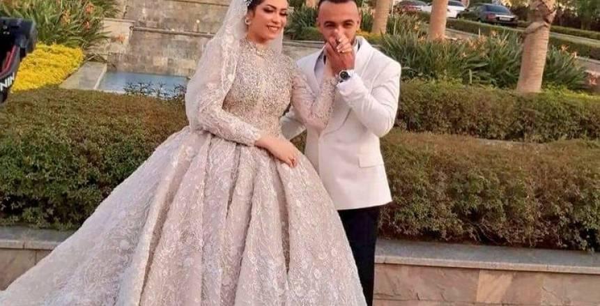 أفشة يظهر بالأبيض قبل زفافه.. وعمر كمال يحيى أولى فقرات الحفل «صور»