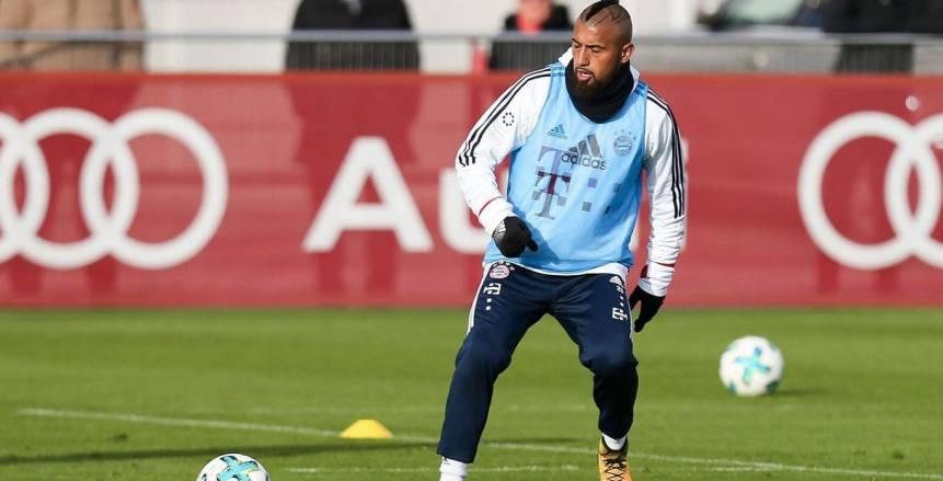 «فيدال» ينتظر تحديد مصيره من المشاركة أمام ريال مدريد
