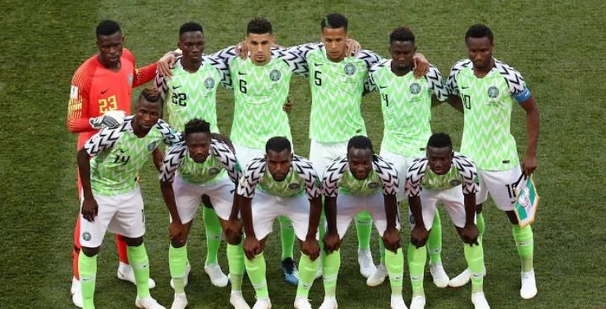 القائد واللاعب الدجاجة.. 3 نجوم يغيبون عن نيجيريا ضد مصر