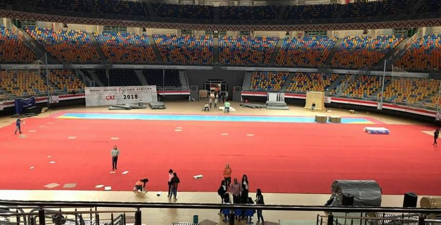 الصالة المغطاة باستاد القاهرة تتزين لافتتاح البطولة الأفريقية للجمباز