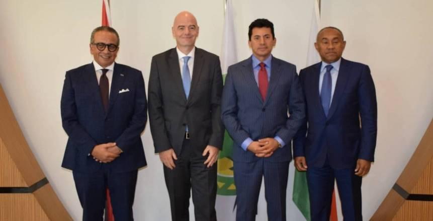 فيفا يتعهد بدعم خطوات تطوير الكرة المصرية والأفريقية