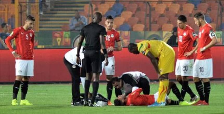 في مباراة الإصابات .. ناصر ماهر يغادر باكيا من لقاء مصر ومالي (صور)