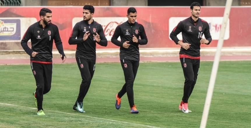 """مفاجأة.. منتخب مصر يطلب """"6 لاعبين"""" من الأهلي وشريف إكرامي خارج الحسابات"""