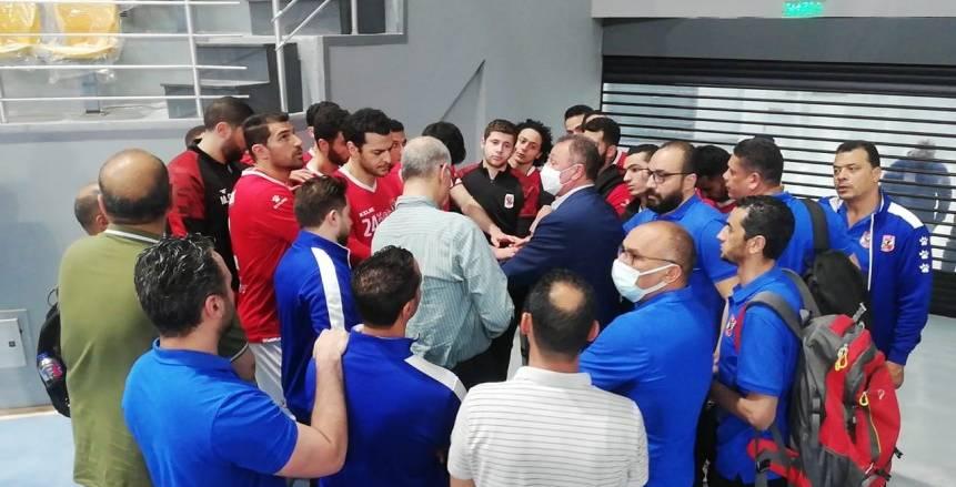 الخطيب يجتمع مع لاعبي يد الأهلي بعد الهزيمة من الزمالك: كنا كويسين