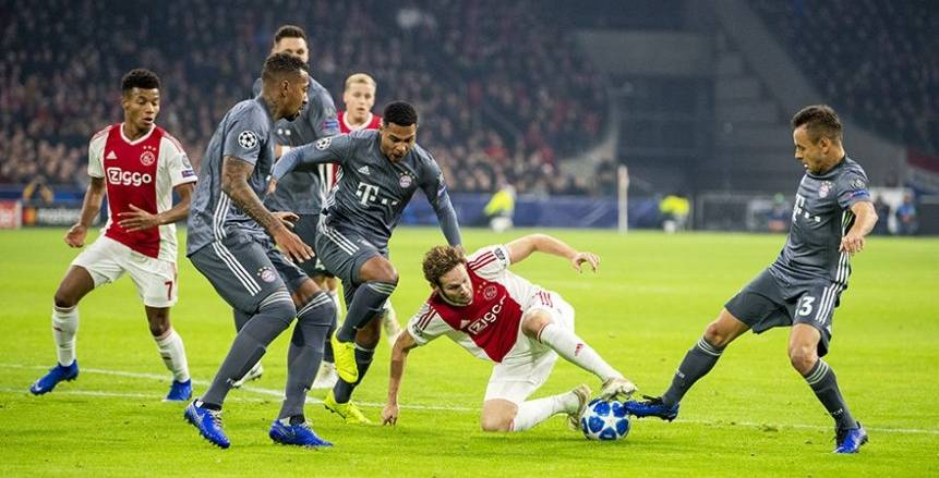 بالفيديو| التعادل الإيجابي يحسم مواجهة بايرن ميونخ وأياكس في مباراة مجنونة